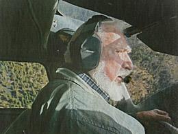 Martin Litton in his Cessna (2006). © Ricardo Dearatanha/Los Angeles Times